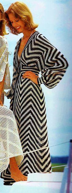 DIY Black and Ecru Beach Caftan or Swimsuit Coverup PDF Vintage Crochet Pattern