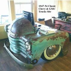 Just because your car has given up on driving, doesn't mean it has to become scrap metal. Check out these awesome upcycle ideas that give old cars new life! Car Part Furniture, Automotive Furniture, Automotive Decor, Furniture Websites, Furniture Plans, Kids Furniture, Modern Furniture, Furniture Design, Decoration Shabby