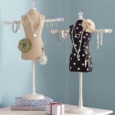 dress frame jewelry holder - using it to hold headbands