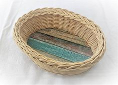 Pedigmania / Oválny košíček Wicker Baskets, Home Decor, Homemade Home Decor, Decoration Home, Woven Baskets, Interior Decorating