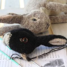 'You know, there are many rabbit breeds 😉' - - Pattern Rabbit Breeds, Bunny Painting, Knitted Animals, Rabbits, Crochet Toys, Fig, Teddy Bear, Knitting, Pattern