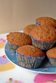 Valentina en la cocina: Magdalenas de galleta integral sin azúcar (Whole Wheat Sugar Free Cookie Muffins)