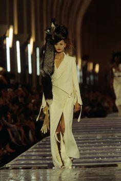 Christian Dior Fall 1999 Couture Fashion Show - Yfke Sturm
