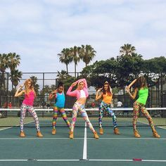 my new music vid for DreamWorksTV is up live! link in my bio  #katyperry thanks @zaraterez for styling us!