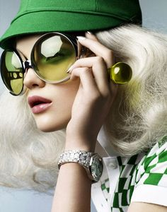 Love the green hat and checkered print top. Ooh! And the ring!