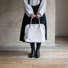 The Factory linen Silva bag is my perfect bag, but unfortunately it's sold out. New Look, Textiles, Tote Bag, Bags, Fashion, Handbags, Moda, Carry Bag, Dime Bags