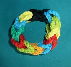 Free Crochet Infinity Puzzle Bracelet Pattern