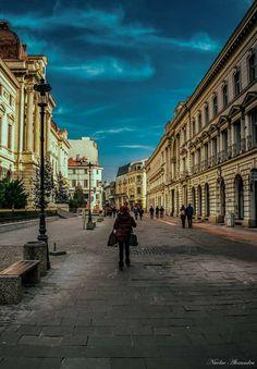 Romania Travel - Fun Things to Do in Romania - Bucket Lists Beautiful Park, Beautiful Castles, Beautiful Buildings, Beautiful Places, Visit Romania, Romania Travel, Bucharest Romania, City Break, City Buildings