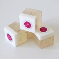 Savon Cube Parfum Monoï et graines de Pavot