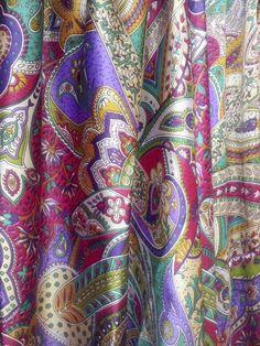 Buongiorno! Questo è solo un dettaglio di tutti i nuovissimi pantaloni in satin Afghani. Non è stupendo? Frida Creazioni