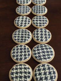 SweetAmbs: Houndstooth Cookies