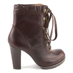 Daniblack Collegiate Boots - Would like these in black.