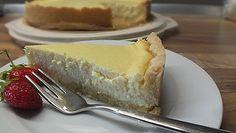 Käsekuchen mit Mürbeteigboden, ein schmackhaftes Rezept aus der Kategorie Backen. Bewertungen: 14. Durchschnitt: Ø 3,9.