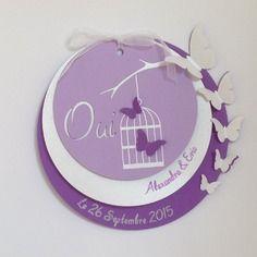 Faire-part mariage rond violet et mauve avec papillons