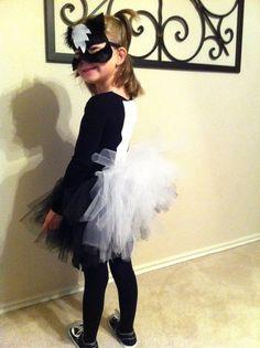 I like the Idea of the tutu for the skunk Disney Halloween, Halloween 2017, Holidays Halloween, Couple Halloween, Halloween Ideas, Holiday Costumes, Halloween Costumes, Skunk Costume, Girl Costumes