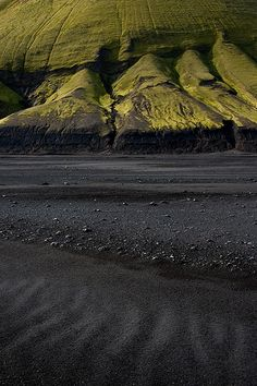 Enjoy Iceland with us.is Arnessysla, Iceland - More surreal imagery from the Emstrur highlands - black sand and bright green moss-covered mountains All Nature, Amazing Nature, Places To Travel, Places To See, Travel Destinations, Beautiful World, Beautiful Places, Into The Wild, Photos Voyages