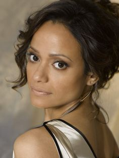 Hispanic Actresses, Actors & Actresses, Pretty People, Beautiful People, Beautiful Women, Judy Reyes, Famous Hairstyles, Devious Maids, Actor Photo