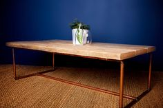 Reclaimed Timber Coffee Table with Copper Pipe von MaloneysWorkshop