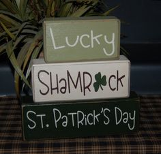 St. PATRICK'S DAY Primitive Wood Blocks Lucky Shamrock Sign Distressed Stacking Word Shelf Blocks Home Spring Decor March