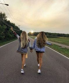 62 Ideas For Travel Friends Photography Bff Photos Bff, Best Friend Photos, Best Friend Goals, Bff Pics, Best Friends Forever, Shooting Photo Amis, Shotting Photo, Cute Friend Pictures, Friend Picture Poses