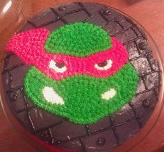 Homemade Ninja Turtle Cake Design: A friend of mine and I actually made this Ninja Turtle Cake Design for my husband who was turning 30 and struggling with the thought. I wanted to take (turtles candy friends) Ninja Turtle Birthday Cake, Turtle Birthday Parties, 4th Birthday, Birthday Ideas, Ninja Party, Ninja Turtle Party, Turtles Candy, Ninja Turtles, Cupcakes