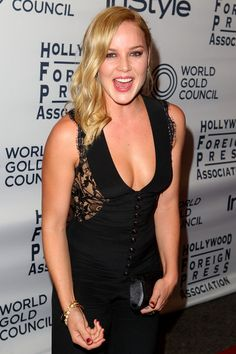Graceful Abbie Cornish...  phenomenal...    In April 2010, Cornish was cast in Limitless, the film adaptation of the novel The Dark Fields,[7] directed by Neil Burger and also starring Bradley Cooper and Robert De Niro.