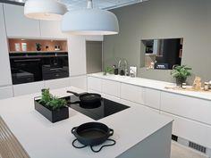 New Kitchen Inspiration, Clever Kitchen Storage, Kitchen Island, Kitchen Cabinets, Modern Kitchen Design, Ikea, Kitchens, House, Home Decor