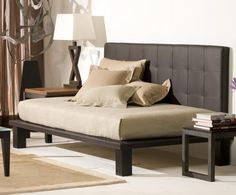 Nice daybed--model for a pallet bed and diy tufted headboard combo