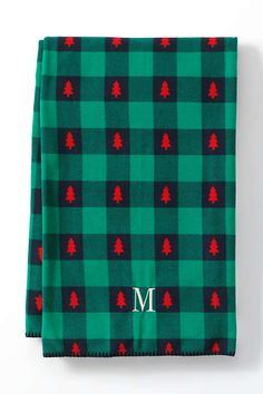 A cozy holiday throw blanket makes a great holiday gift and adds instant warmth to any holiday home. Farmhouse Christmas Decor, Christmas Home, Birthday Surprises For Him, Tin Candles, Holiday Gifts, Holiday Ideas, Holiday Decor, Tree Print, Personalized Gifts