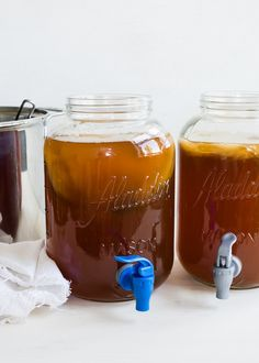 How To Make Continuous Brew Kombucha (+ 6 Flavor Ideas) Kombucha Scoby, How To Brew Kombucha, Kombucha Recipe, Kombucha Flavors, Kombucha Brewing, Kombucha Cocktail, Organic Kombucha, Probiotic Foods, Fermented Foods