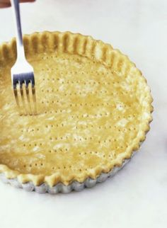 How to make a basic spelt pie crust for Nordic pies and savory quiches.