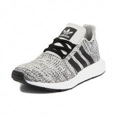 Tween adidas Swift Run Sportschuh - grau - Adidas Shoes Outlet, Adidas Shoes Women, Adidas Running Shoes, Girls Sneakers, Girls Shoes, Sneakers Fashion, Shoes Sneakers, Fashion Outfits, Slip On Tennis Shoes