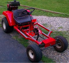 Using a Riding Lawn Mower to Build Your Own Go Kart. 8 steps guide on building your own DIY lawn mower go kart. Build A Go Kart, Diy Go Kart, Lawn Mower Tires, Homemade Go Kart, Homemade Tractor, Go Kart Plans, Go Kart Racing, Riding Lawn Mowers, Mini Bike