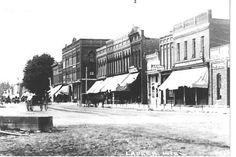 1910 Downtown Lapeer....crazy seeing horse n carriage in lapeer:p