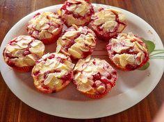 Johannisbeer - Rahm - Muffins, ein schönes Rezept aus der Kategorie Kuchen. Bewertungen: 255. Durchschnitt: Ø 4,5.