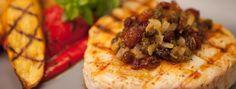 Zeste | Espadon grillé en croûte de raisins sultana et de câpres frites Waffles, Tacos, Pie, Breakfast, Ethnic Recipes, Desserts, Food, French Fries, Drizzle Cake