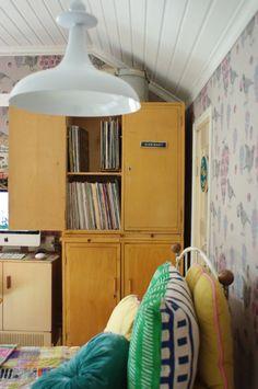 Herra Puukenkä ja Neiti Räsymatto: Vanhat kaapit osa 1 Cabinet, Storage, Furniture, Home Decor, Clothes Stand, Purse Storage, Decoration Home, Room Decor, Closet