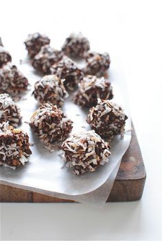 chocolate coconut granola bites
