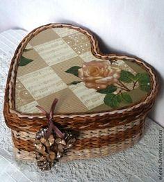 Персональные подарки ручной работы. Ярмарка Мастеров - ручная работа Плетеная шкатулка С любовью. Handmade.
