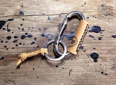 Carabiner leather wrapped keychain, Key ring, Beige leather by 896LeatherShop