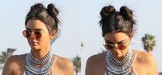 Kendall Jenner al Coachella con doppio chignon spettinato e una spruzzata di…