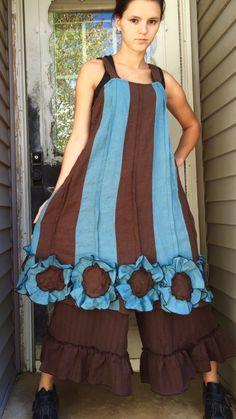 Fleur de lin bleu et marron fond robe L par sarahclemensclothing