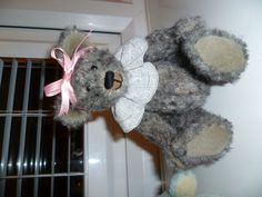 A mottled looking hand stitched mohair bear, made by Suzi Love (JABAKAT)