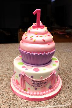 Cupcake birthday theme?!?!