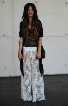 PANTS Madame de Rosa, FRINGED CARDIGAN Topshop, BODY Victoria鈥檚 Secret, SHOES YvesSaintLaurent, BAG Chanel)