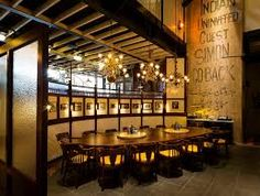 Restaurant Find: Dishoom King's Cross London Restaurant Blog, Restaurant Interior Design, Dishoom, London Townhouse, Hollywood Homes, Top Restaurants, A Table, Interior Architecture, Family Room