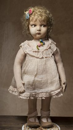Кукла Ленчи - на сайте антикварных кукол.