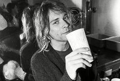 Quer um revival dos anos 1990? Tem inéditas do Smashing Pumpkins e Kurt Cobain na internet!