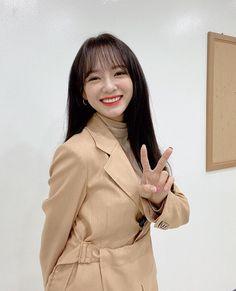 Drama School, Kim Sejeong, Jellyfish Entertainment, Covergirl, Korean Singer, Korean Girl Groups, Ulzzang, Girlfriends, Actresses