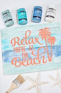 DIY Beach Signs are one of my favorite projects to work on. Its a perfect touch for my coastal theme home. DIY coastal decor projects are always great. decor diy beach DIY Beach Sign with Vintage Effect Wash Beach Room Decor, Beach House Decor, Diy Home Decor, Beach House Signs, Pool Signs, Decor Crafts, Wood Crafts, Beach Signs Wooden, Vintage Beach Signs